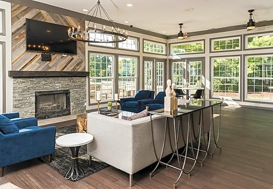 Fairlane Woods Estate Apartments, Dearborn, MI