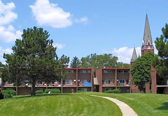Medical Center Courts Apartments & Townhomes, Detroit, MI
