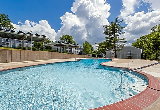Schoettler Village Apartments, Chesterfield, MO