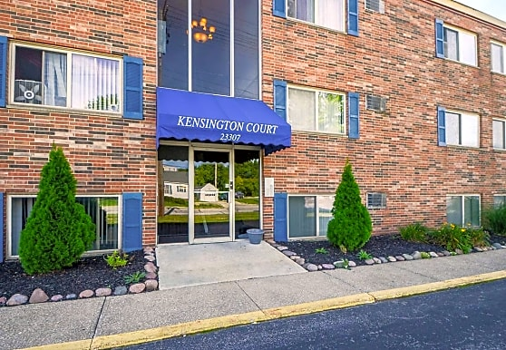Kensington Court, North Olmsted, OH