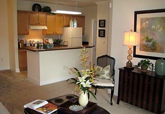 The Quarters Apartment Homes, Lady Lake, FL