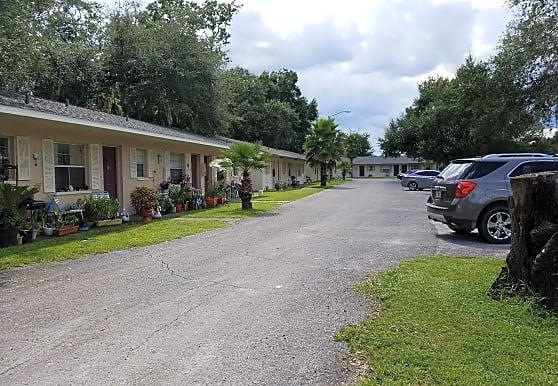 Zephyr Point Apartments, Zephyrhills, FL
