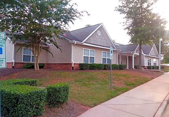 Sandhill Manor Apartments, Sanford, NC