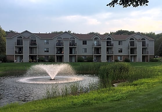 Byron Lakes Apartments, Byron Center, MI