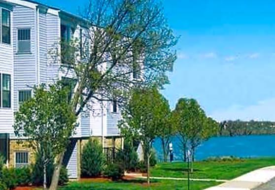 Schooner Cove, Ypsilanti, MI