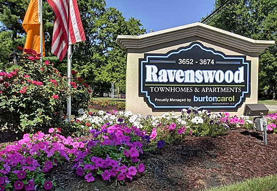 Ravenswood Townhouses and Apartments, Stow, OH