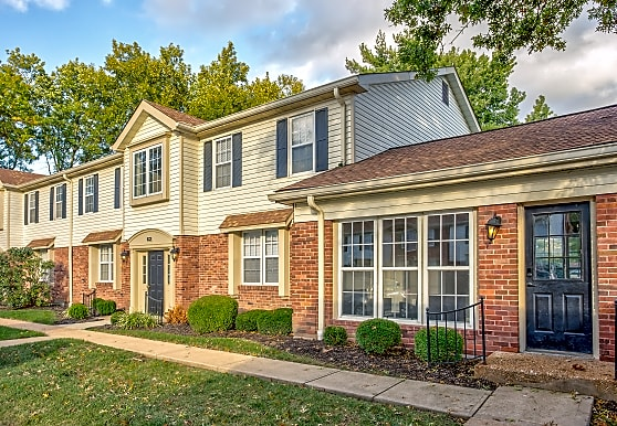 Woods Mill Park Apartments & Townhomes, Saint Louis, MO