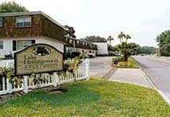 Lake Hollingsworth Apartments, Lakeland, FL