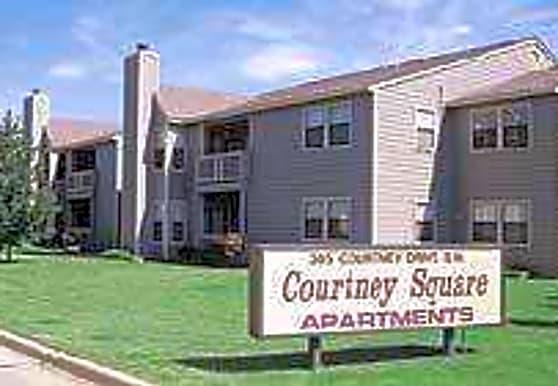 Courtney Square, Decatur, AL