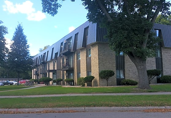 Riverview Court Apartments, Marshall, MN