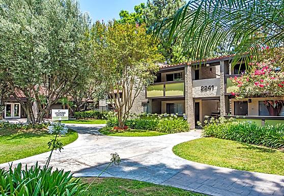 The Olive Ridge Resort, Pomona, CA