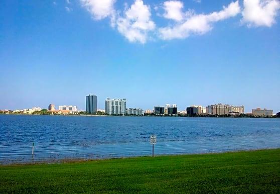 Clear Lake Club, West Palm Beach, FL