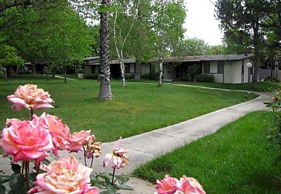Claremont Village Green 55 +, Claremont, CA