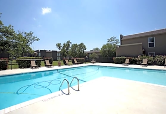 CrestWind Townhomes and Apartments, San Antonio, TX