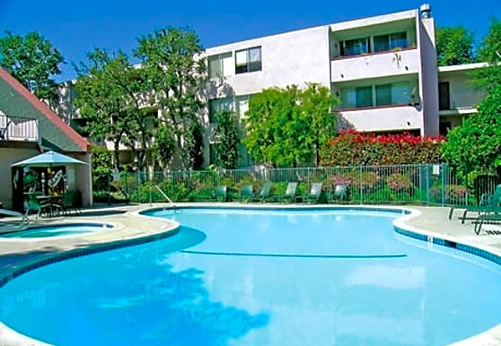 Woodland House Apartments, Woodland Hills, CA