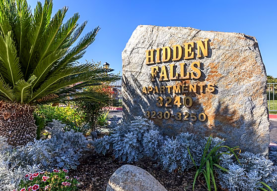 Hidden Falls Apartments, Lancaster, CA