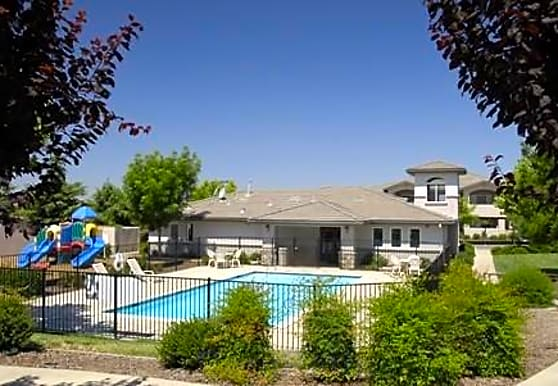 Oaks at Sunset Apartment Homes, Rocklin, CA