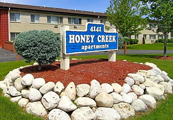 Honey Creek Apartments, Milwaukee, WI