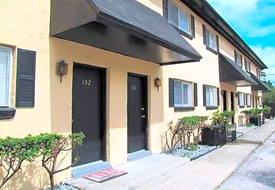 Palomas Apartments, Jacksonville, FL