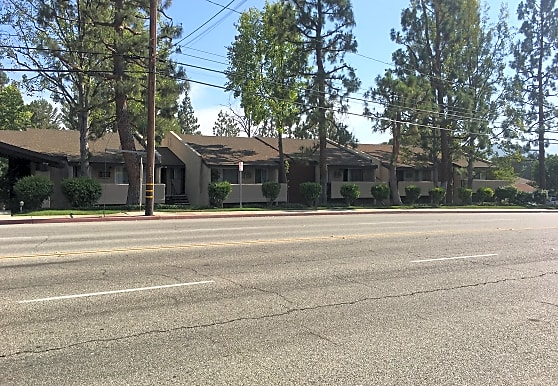 Stone Pine Apartments, Thousand Oaks, CA