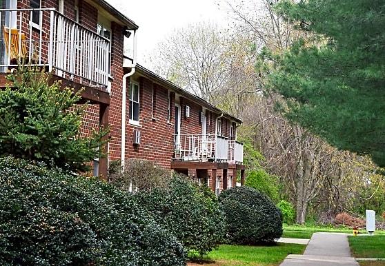 Pine Hill Apartments, Elkton, MD