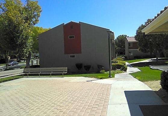 College Park, Lancaster, CA