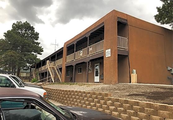 Ponderosa Pines Apartment - Los Alamos, NM 87544