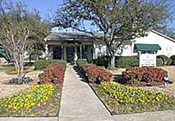 Parc Lake Bayshore Apartments Lewisville Tx 75057