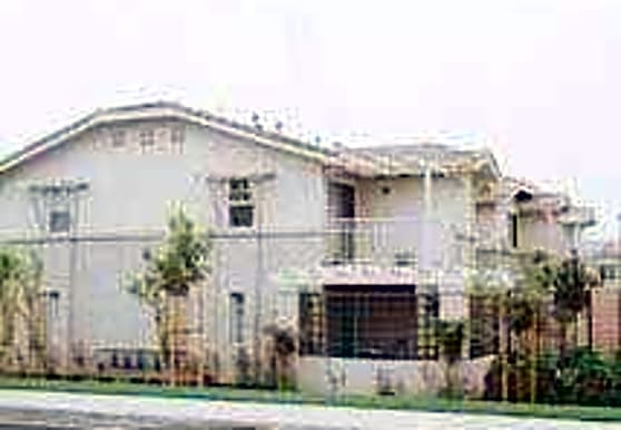 Crossings Apartment Homes, Rialto, CA