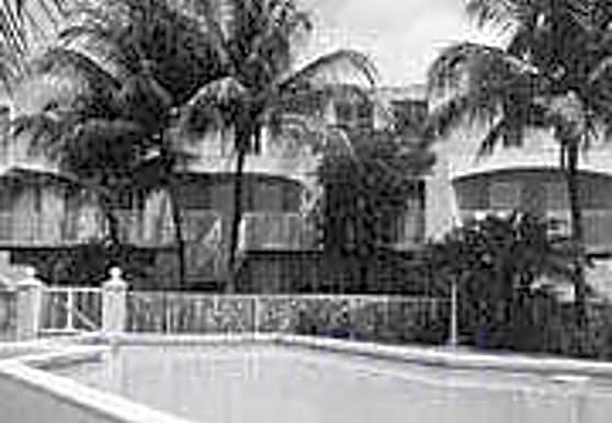Coral Pointe, Miami, FL