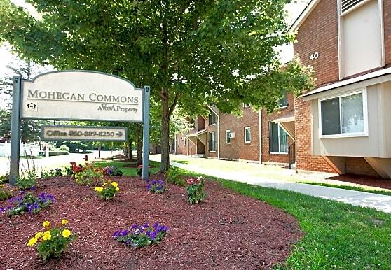 Mohegan Commons, Norwich, CT