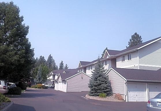 Courts at Indian Canyon, Spokane, WA