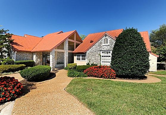 Oakwell Farms, Hermitage, TN