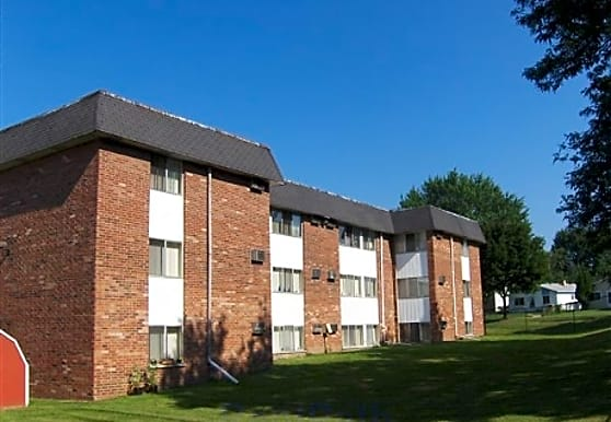Garden Court Apartments, Pontiac, MI