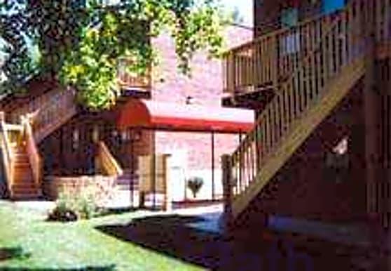 Lilac Court, Saint Louis, MO