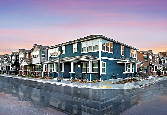 Crichton Place, Fresno, CA
