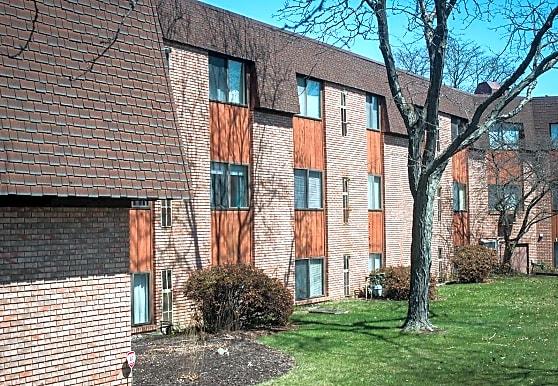 Garfield Manor, Warren, OH