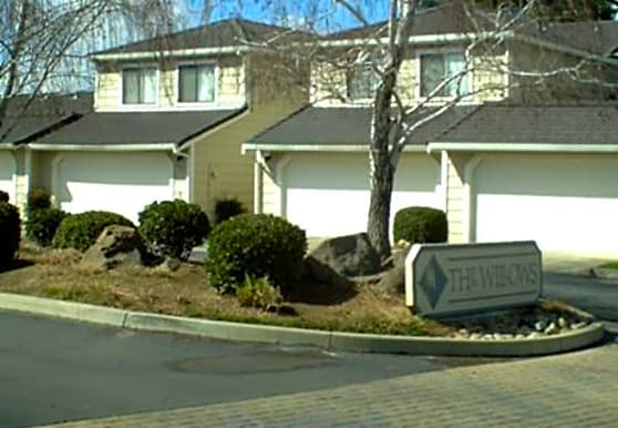 The Willows Townhomes, Oakdale, CA