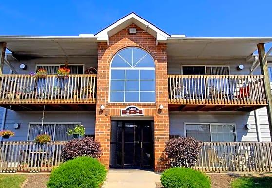 Pebble Creek Apartments, Twinsburg, OH