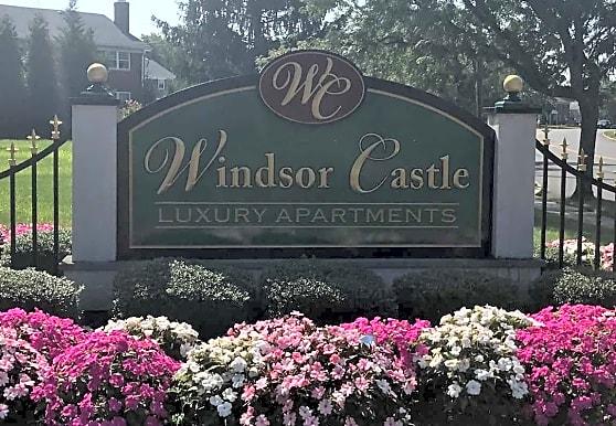 Windsor Castle Apartments, East Windsor, NJ