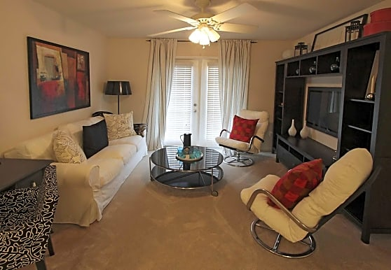 Vantage Pointe Homes At Franklin Heights Apartments