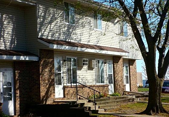 Stone Ridge Townhomes, Webster City, IA
