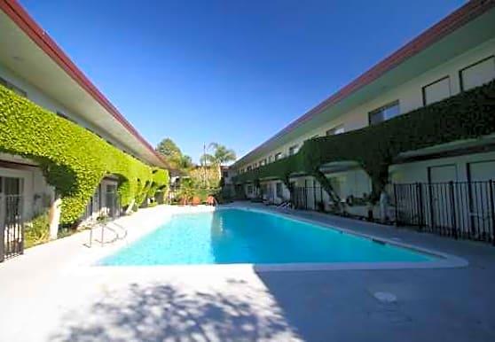 Villa Verde Apartment Homes, Northridge, CA