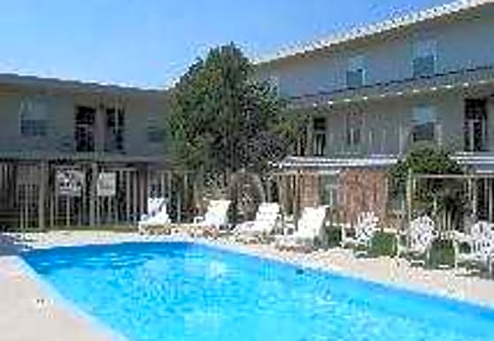 West Oaks Apartments, Amarillo, TX