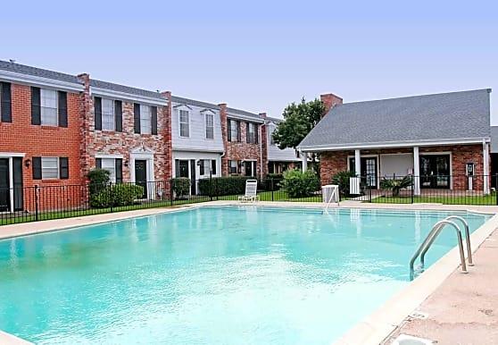 Towne Oaks Apartments, Beaumont, TX