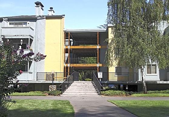 American River Commons, Sacramento, CA