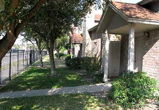 Everhart Executive Townhomes, Corpus Christi, TX