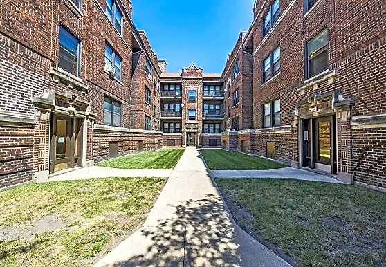 Pangea Commons, Chicago, IL