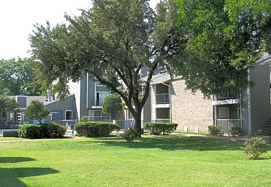 Riverfall Square, Dallas, TX