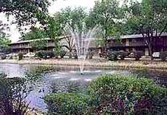 Lake Park Village, Mount Prospect, IL